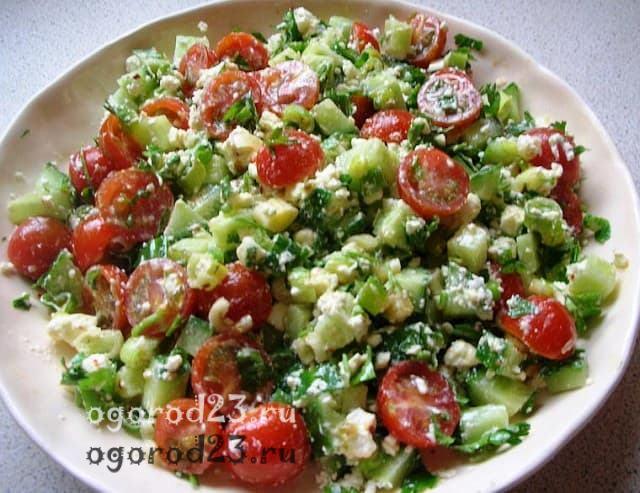Вкусный салат из лука-порея